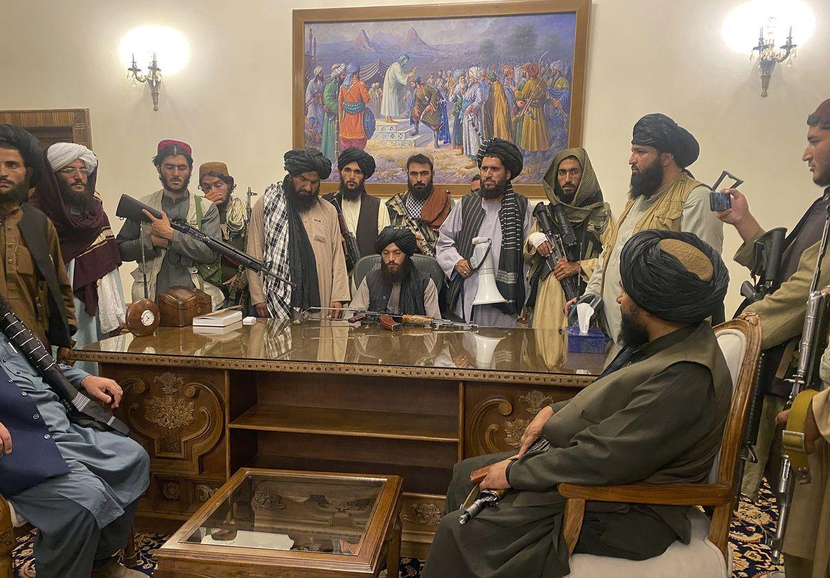taliban_take_control_president_palace_afghanistan